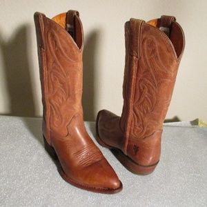 FRYE DISTRESSED LEATHER BOOTS ~ EMBROIDERY ~ 6.5 B
